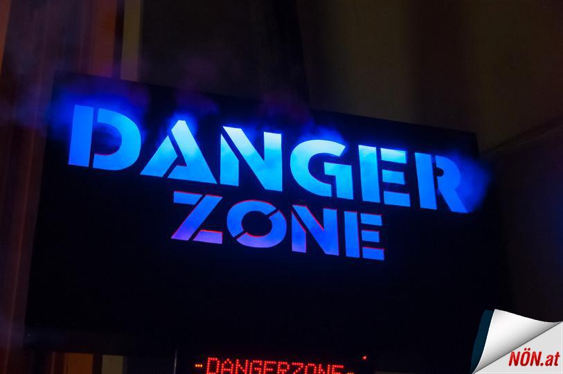 DANGERZONE SPACE NATION STUDIO // MQM SZENOGRAPHY TOMORROW FESTIVAL ZWENTENDORF
